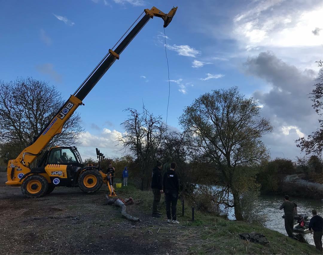 Snag removal at Nash Lakes Royston
